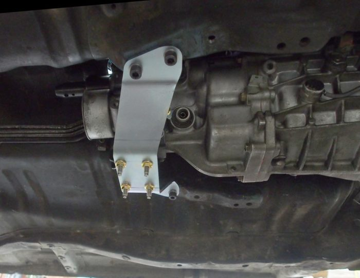 AE86 to J160 gearbox mount-890