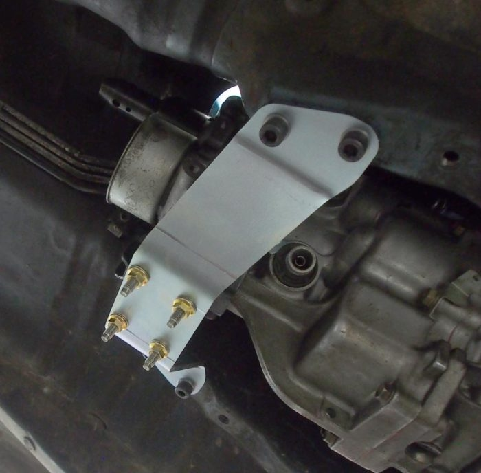 AE86 to J160 gearbox mount-891